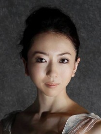 YurikoKajiyaByKAZUNORIHATAGUCHI.jpg